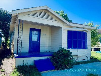 Single Family Home For Sale: 1828 Feliciana Street