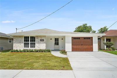 Single Family Home For Sale: 1705 Carnation Avenue