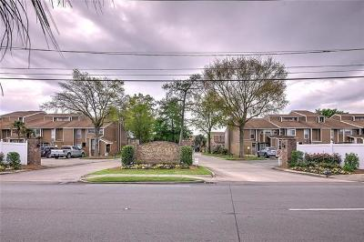 Kenner Multi Family Home For Sale: 20 Avant Garde Circle #20