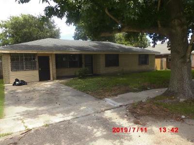 Single Family Home For Sale: 7915 Devine Avenue