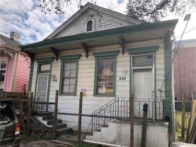 Single Family Home For Sale: 624-26 S Lopez Street