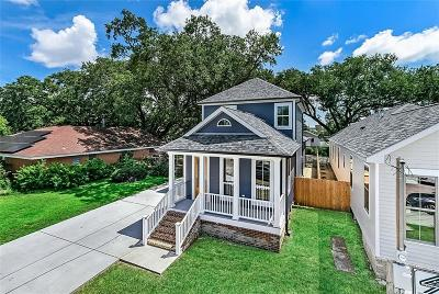 Gretna Single Family Home For Sale: 47 Holly Drive