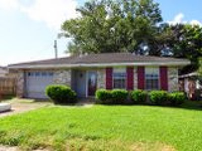 Kenner Single Family Home For Sale: 241 Kilgore Place