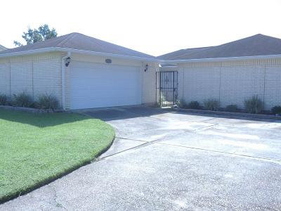 Harvey Single Family Home For Sale: 2009 Stall Drive