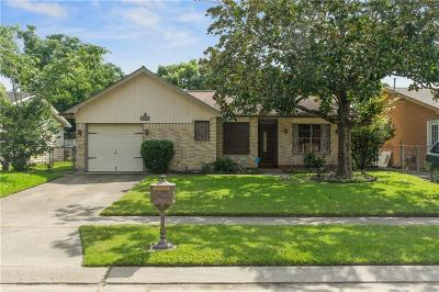 Destrehan, St. Rose Single Family Home For Sale: 712 Turtle Creek Lane