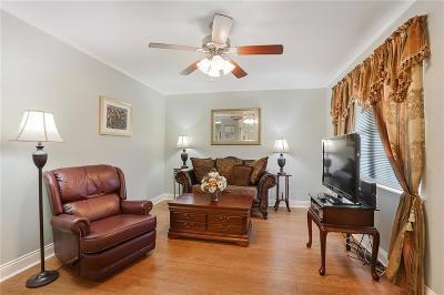 Jefferson Parish, Orleans Parish Multi Family Home For Sale: 3030 Edenborn Avenue #219