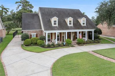 Destrehan, St. Rose Single Family Home For Sale: 68 Belle Helene Drive