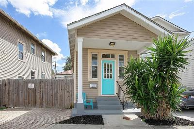 Single Family Home For Sale: 3837 Delachaise Street