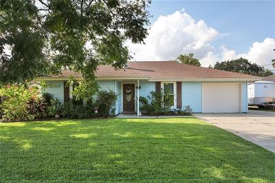 Destrehan, St. Rose Single Family Home For Sale: 121 River Point Drive