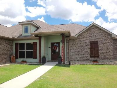 Iowa LA Single Family Home For Sale: $239,900