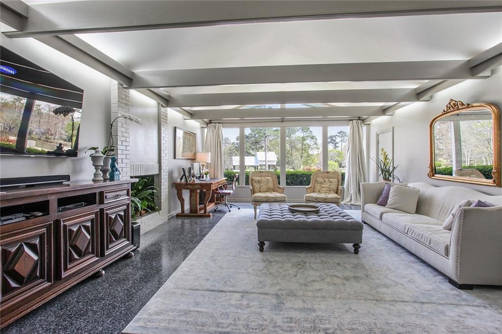 1204 Belle Alee Lane Lake Charles, LA. | MLS# 160426 | Larry Turner |  337 540 1916 | Lake Charles LA Homes For Sale