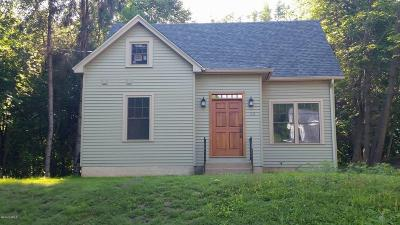 North Adams Single Family Home For Sale: 83 Walker St