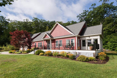 Berkshire County Single Family Home For Sale: 2B Stonebridge Way