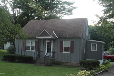 Pittsfield Single Family Home For Sale: 407 Cheshire Rd