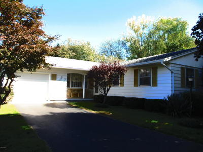Dalton MA Single Family Home For Sale: $219,900