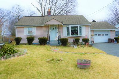 Pittsfield MA Single Family Home For Sale: $165,000