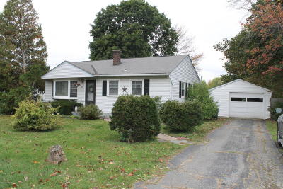 Dalton MA Single Family Home For Sale: $159,900