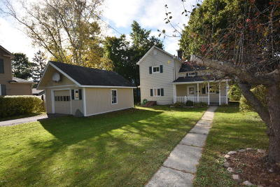 Pittsfield Single Family Home For Sale: 71 Briggs Ave