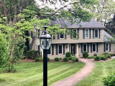 Lenox Single Family Home For Sale: 15 Bracelan Ct