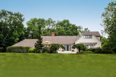 Berkshire County Single Family Home For Sale: 22 Tyringham Rd