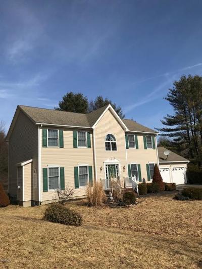 Pittsfield Single Family Home For Sale: 25 Cobblestone Cove