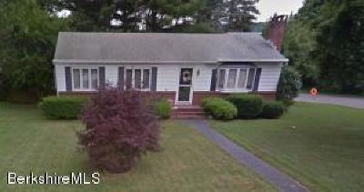 Pittsfield Single Family Home For Sale: 53 Imperial Ave
