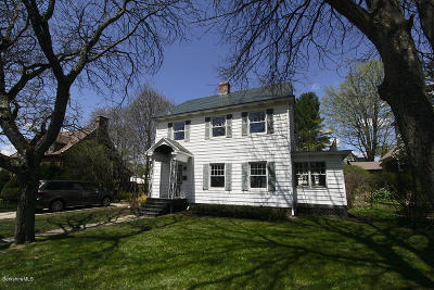 Pittsfield MA Single Family Home For Sale: $222,000