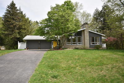 Pittsfield Single Family Home For Sale: 15 Loumar Dr