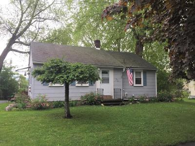 Pittsfield MA Single Family Home For Sale: $125,000