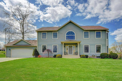 Pittsfield MA Single Family Home For Sale: $390,000