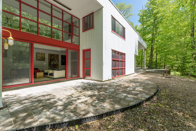 Berkshire County Single Family Home For Sale: 14 Oxbow Rd