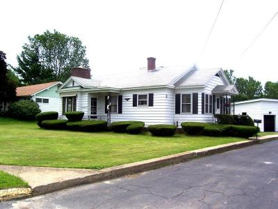 North Adams Single Family Home For Sale: 606 Mohawk Trail