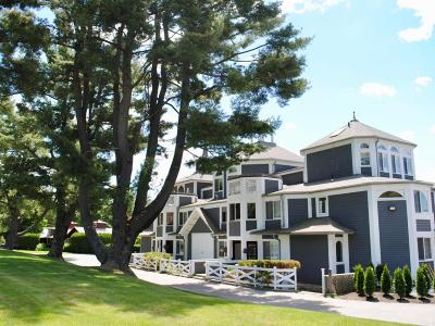 Berkshire County Condo/Townhouse For Sale: 19 Hawthorne Rd #1B
