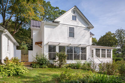 Great Barrington Single Family Home For Sale: 55 Castle St