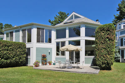 Berkshire County Condo/Townhouse For Sale: 19 Hawthorne Rd #GH6
