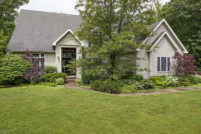 Pittsfield Single Family Home For Sale: 4 Southbrook Ln