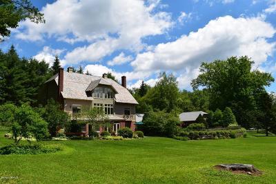Lenox Single Family Home For Sale: 234 Kemble St