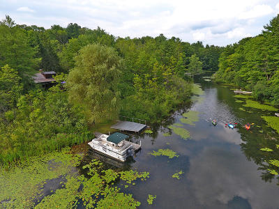 Berkshire County Single Family Home For Sale: 28 Lake Dr