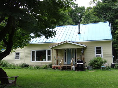 Adams, Clarksburg, Florida, New Ashford, North Adams, Savoy, Williamstown Single Family Home For Sale: 105 Chapel Rd