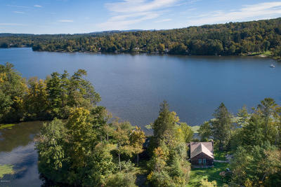 Berkshire County Single Family Home For Sale: 4 Cove Ln