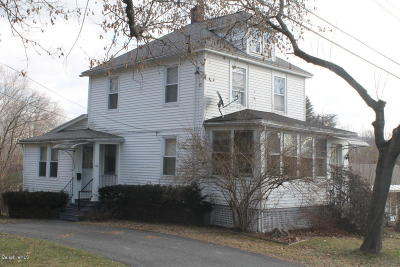 Pittsfield Single Family Home For Sale: 69 Edison Ave