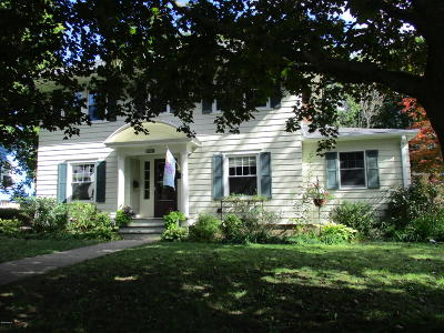 Pittsfield Single Family Home For Sale: 45 Concord Pkwy