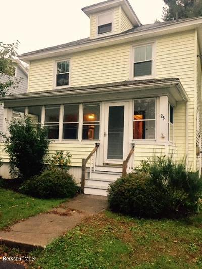 Pittsfield Single Family Home For Sale: 28 Strong Ave