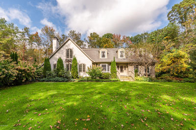 Berkshire County Single Family Home For Sale: 6 Deer Trail