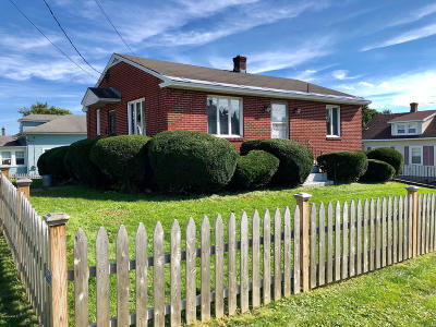 Pittsfield MA Single Family Home For Sale: $124,900