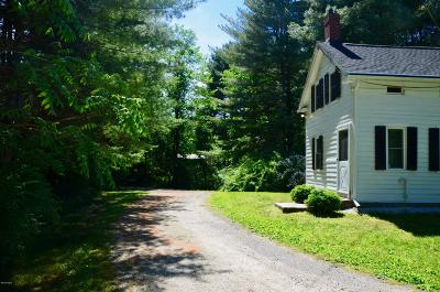 Great Barrington Single Family Home For Sale: 670 South Egremont Rd