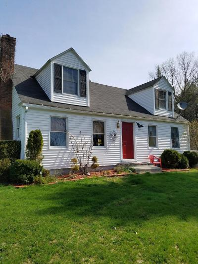 Berkshire County Single Family Home For Sale: 327 Konkapot Rd
