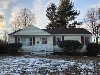 Pittsfield Single Family Home For Sale: 119 Birch Grove Dr
