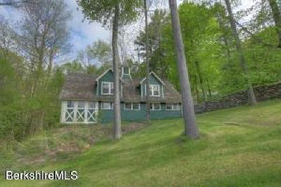 Berkshire County Single Family Home For Sale: 128 Jerusalem Rd