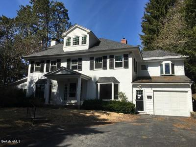 Pittsfield MA Single Family Home For Sale: $244,900